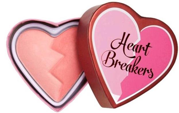 Makeup Revolution Heart Breakers matte blush Brave Róż do policzków 10g