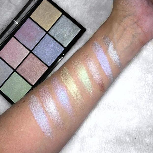 Makeup Revolution Ultra Cool Glow Paleta rozświetlaczy